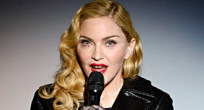 Madonna Posts Topless Photo On Instagram - Wwwnewsnationin-1366