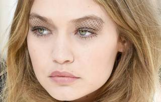 The new eyelid art by Chanel makes an iconic entry at Paris Fashion Week 2016