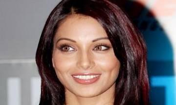 Bipasha Basu rubbishes rumours of Salman Khan gifting her Rs 10 cr house