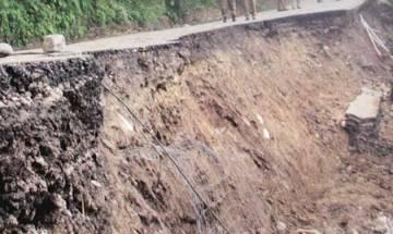3 pilgrims among 4 killed in landslide enroute to Vaishnodevi