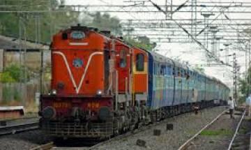 सुरेश प्रभु ने पूरा किया वादा: 31 अगस्त से मिलेगी  यात्रियों को वैकल्पिक यात्रा बीमा की सुविधा