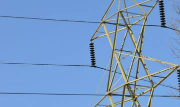 6 electrocuted, 25 injured as bus touches high tension wire