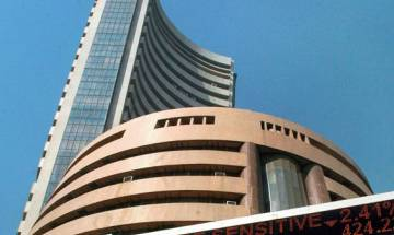 Sensex falls back into red, plummets 105 pts as banks weigh