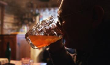 Scientists warn elderly against excess consumption of alcohol: It may damage their cognitive functions