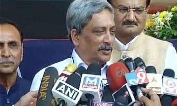 Army giving befitting reply to ceasefire violations: Defence Minister Parrikar