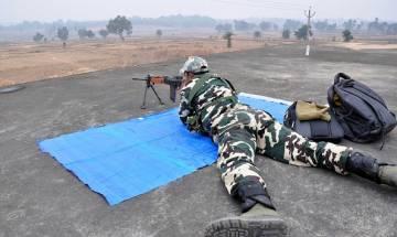 Policeman killed by suspected Naxals  in Chhattisgarh