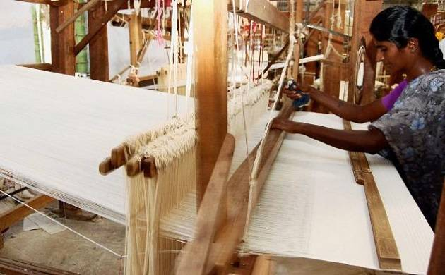 Artists travel 13000 kms to raise social significance of 'yarn weaving'