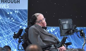 Artificial Intelligence could wipe out humanity in another 1000 years, says Stephen Hawking