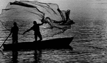 Odisha: At least 4 including 2 babies dead, 25 others rescued after boat capsizes in Chilika lake