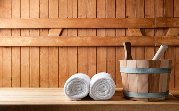 Research shows that frequent sauna bathing also significantly reduces the risk of sudden cardiac death, the risk of death due to coronary artery disease and other cardiac events, as well as overall mortality.(Source : fashionfringe.net)