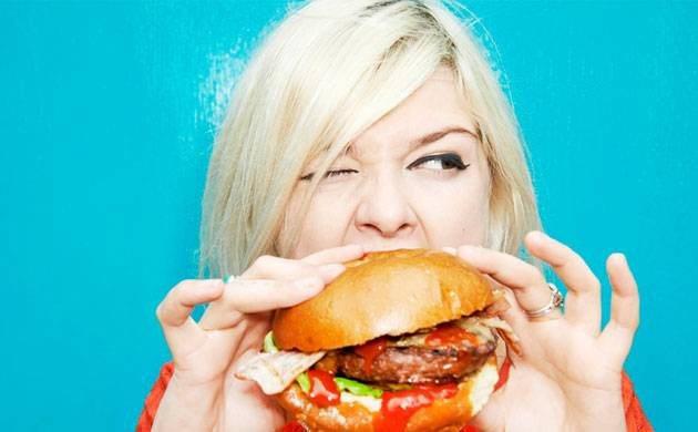 Social inferiority makes people crave fatty foods, says reports