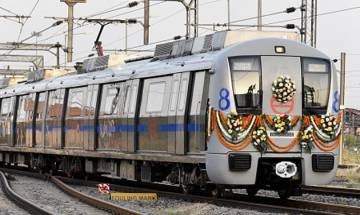 Commuters not being forced to go cashless, says Delhi Metro