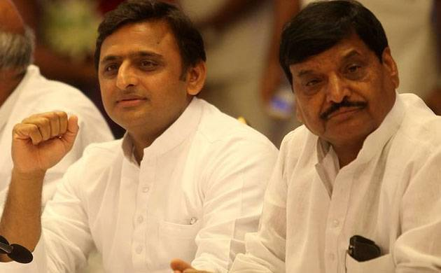 Akhilesh Yadav with Shivpal Yadav (File Photo)