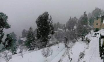 Heavy snowfall in Shimla; normal life disrupted
