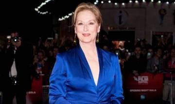 'La La Land' sweeps awards, Meryl Streep rules roost at 74th Golden Globes