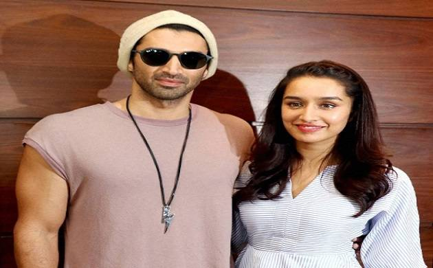 Shraddha Kapoor thinks her 'Ok Jaanu' co-star looks hot in song 'Humma Humma'