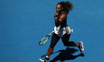 Australian Open: Serena Williams reaches quarter-finals without dropping a set