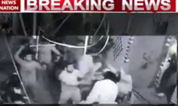 Fight between two groups in Welcome colony of Delhi | Watch