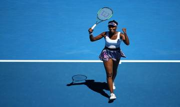 Venus Williams overcomes spirited challenge from Coco Vandeweghe in semis, sails into Australian Open final after 14 years