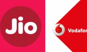 Vodafone registers 521 crore decline in revenue due to Jio uprise and note ban