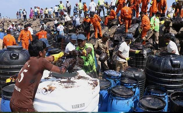 Chennai oil spill (Pic: PTI)