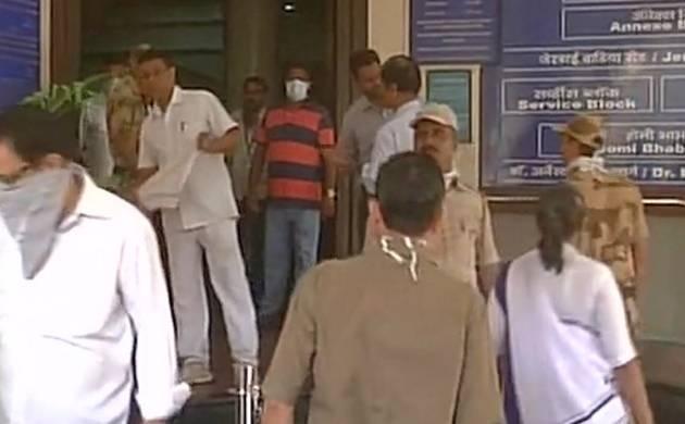 Mumbai: Major fire breaks out at Tata Cancer hospital's basement, no casualties (Image: ANI)