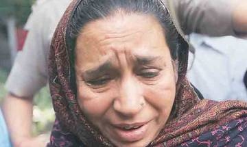 Missing JNU student Najeeb's mother stages protest in Lucknow