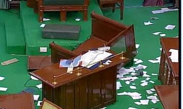 Tamil Nadu crisis: Breaking of chairs and tossing of microphones aren't a new phenomenon in state assemblies