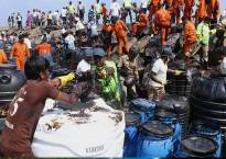 Chennai oil spill: People involved in cleaning sludge may contract deadly diseases, says report