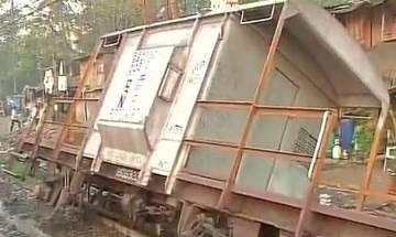 Mumbai: Harbour line services suspended after derailment of goods train
