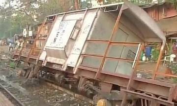 Mumbai: 3 wagons of a goods train derail between Ravli and Kurla, Harbour services disrupted