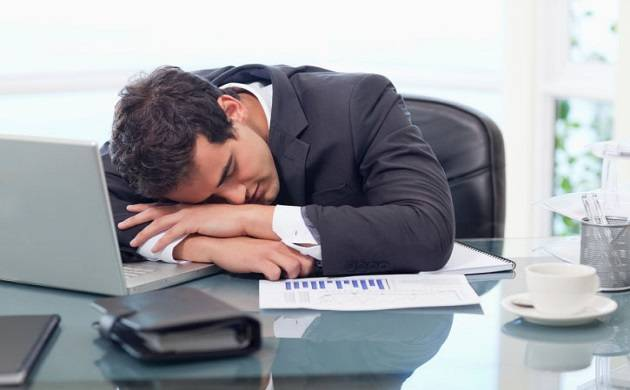 Desk jobs may increase chances of heart attack: Study
