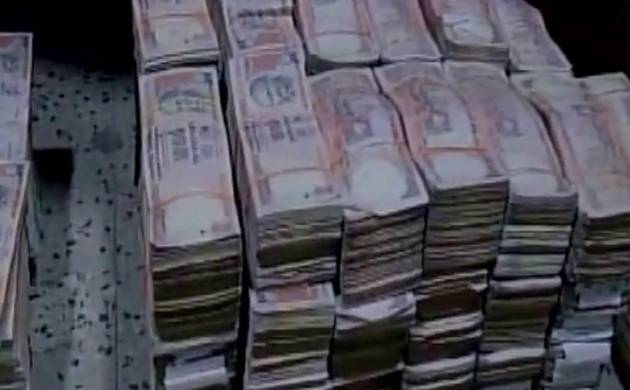 DRI recovers Rs.15.75 cores in old currency near Jhandewalan in Delhi (Image: ANI)