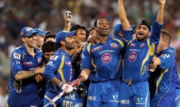 IPL 2017: Mumbai Indians' owner Ambanis host players to celebrate 10 years