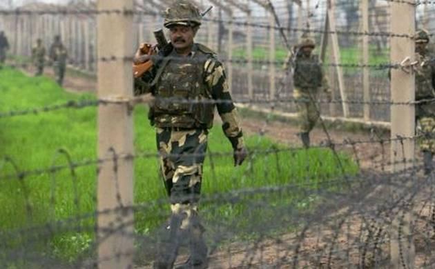 Pakistani troops shell mortars on Indian posts along LoC
