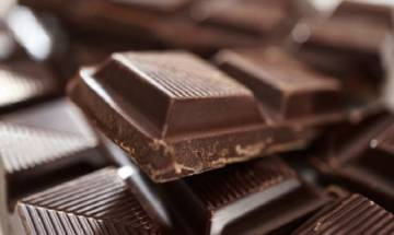 Chocolate lovers rejoice! Dark chocolates save you from impact on health due to ageing brain, says study