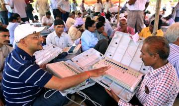 Election Commission to hold a live demo of EVMs and VVPATs tomorrow in Delhi, may announce 'EVM challenge'