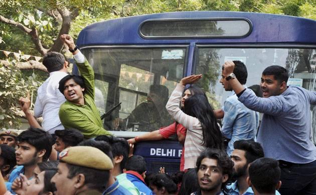 AISA, ABVP activists clash in Delhi University (Source: PTI)