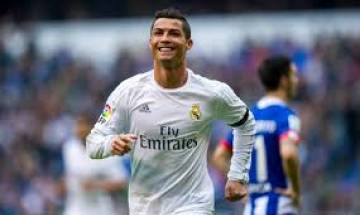 Cristiano Ronaldo decides to leave Real Madrid, disgusted over tax evasion charges levied by Spanish authorities