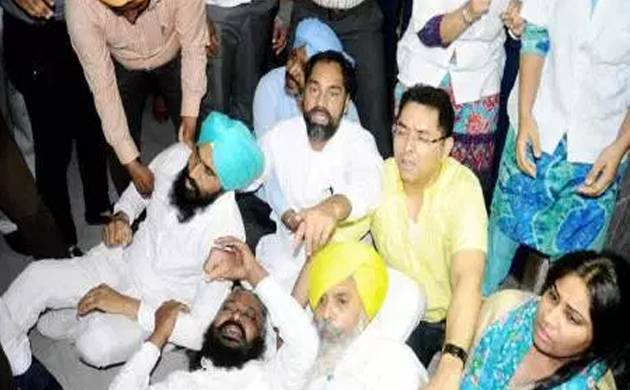 SAD-BJP, AAP protest in Punjab Assembly over tossing of turbans