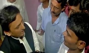 Gorakhpur hospital deaths: Akhilesh Yadav visits families of victims