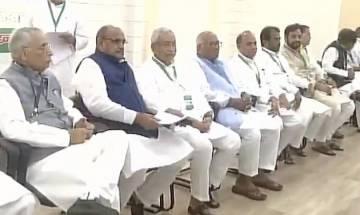 JD(U) returns to BJP-led NDA, national executive passes resolution, no action against Sharad Yadav