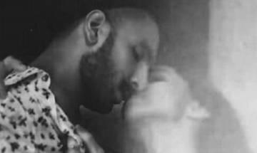 Deepika Padukone kisses Ranveer Singh, picture goes viral