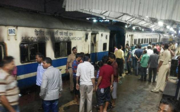 3 bogie of Ranchi Jan Shatabdi Express catches fire in Patna Junction, none injuries reported