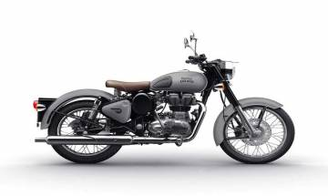 Royal Enfield Classic unveils Classic 350 and Classic 500 in two new colour variants, rear disc brakes