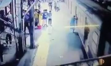 RPF officer saves woman who fell while boarding Mumbai local