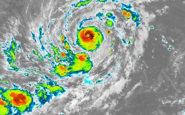 Hurricane Irma rips through Florida at 130 mph, 3 dead