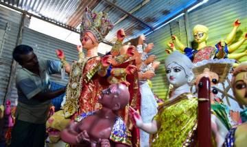 Kolkata Durga puja pandals choose demonetization as theme