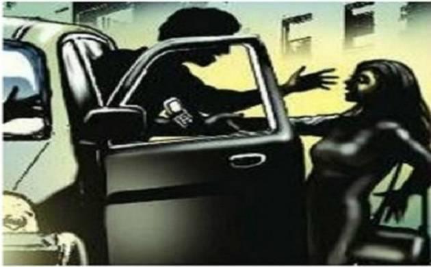 25-year-old women gange raped in moving car in Noida, thrown in Delhi