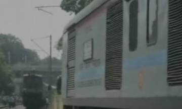 Major accident averted as Duronto, Hatia-Anand Vihar and Mahabodhi Express come on same track near Allahabad